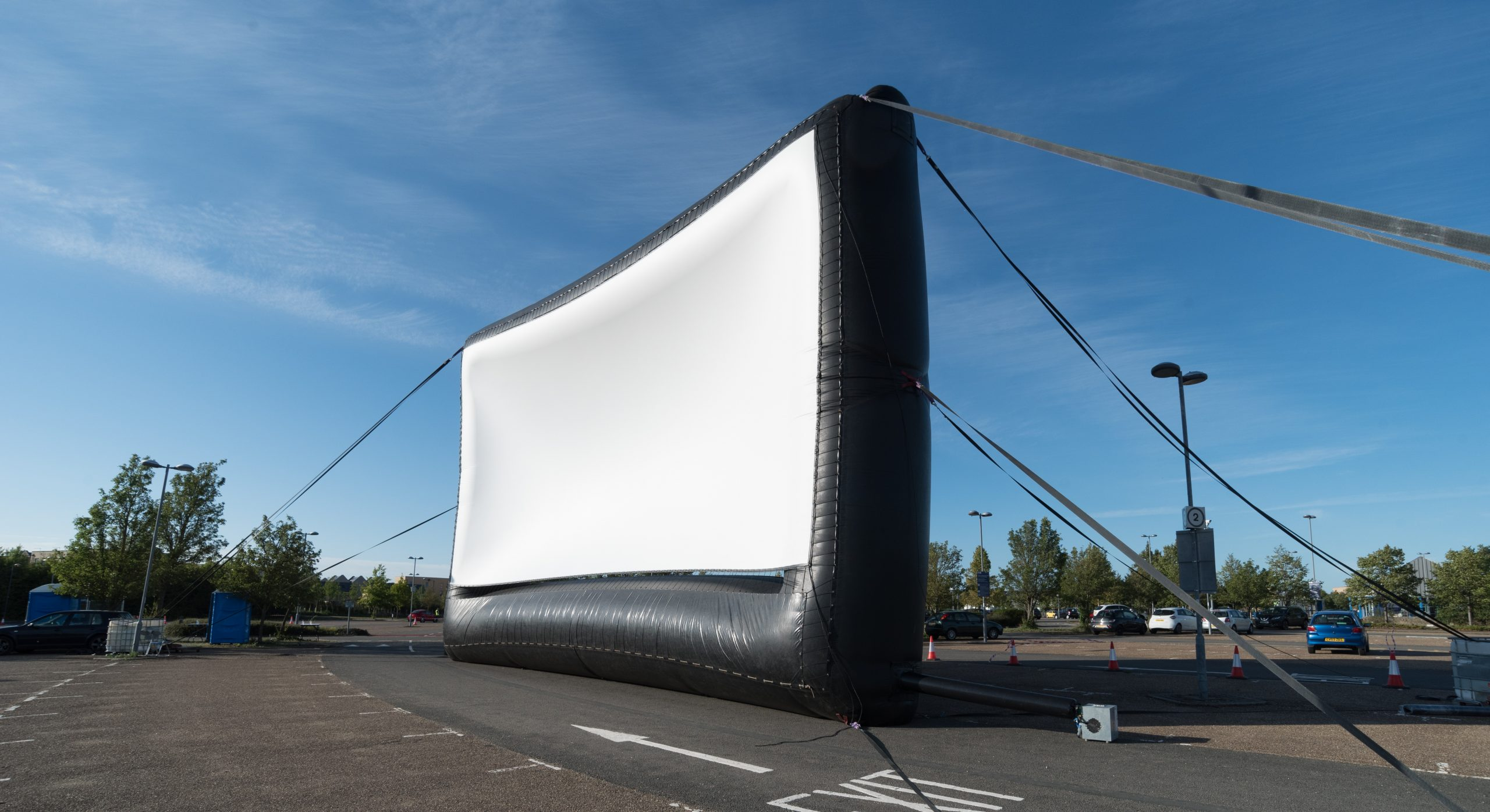 The UK's largest inflatable Airscreen!